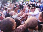 Usai Dilantik, Bupati-Wabup Ciamis Disambut Meriah Ribuan Warga