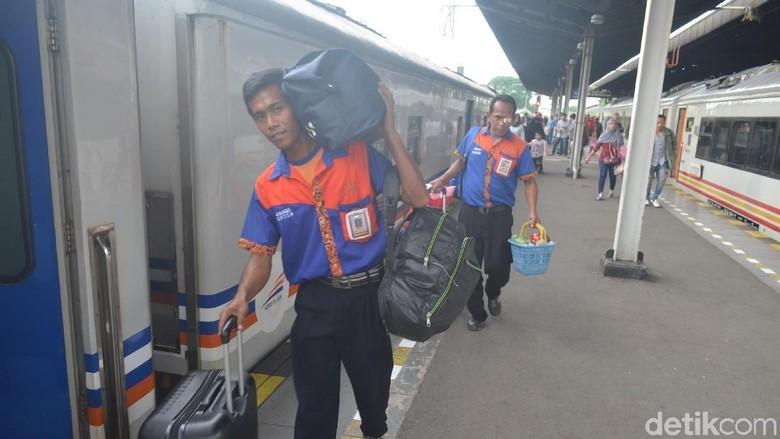 Libur Panjang, Penumpang Kereta Cirebon Melonjak 25 Persen