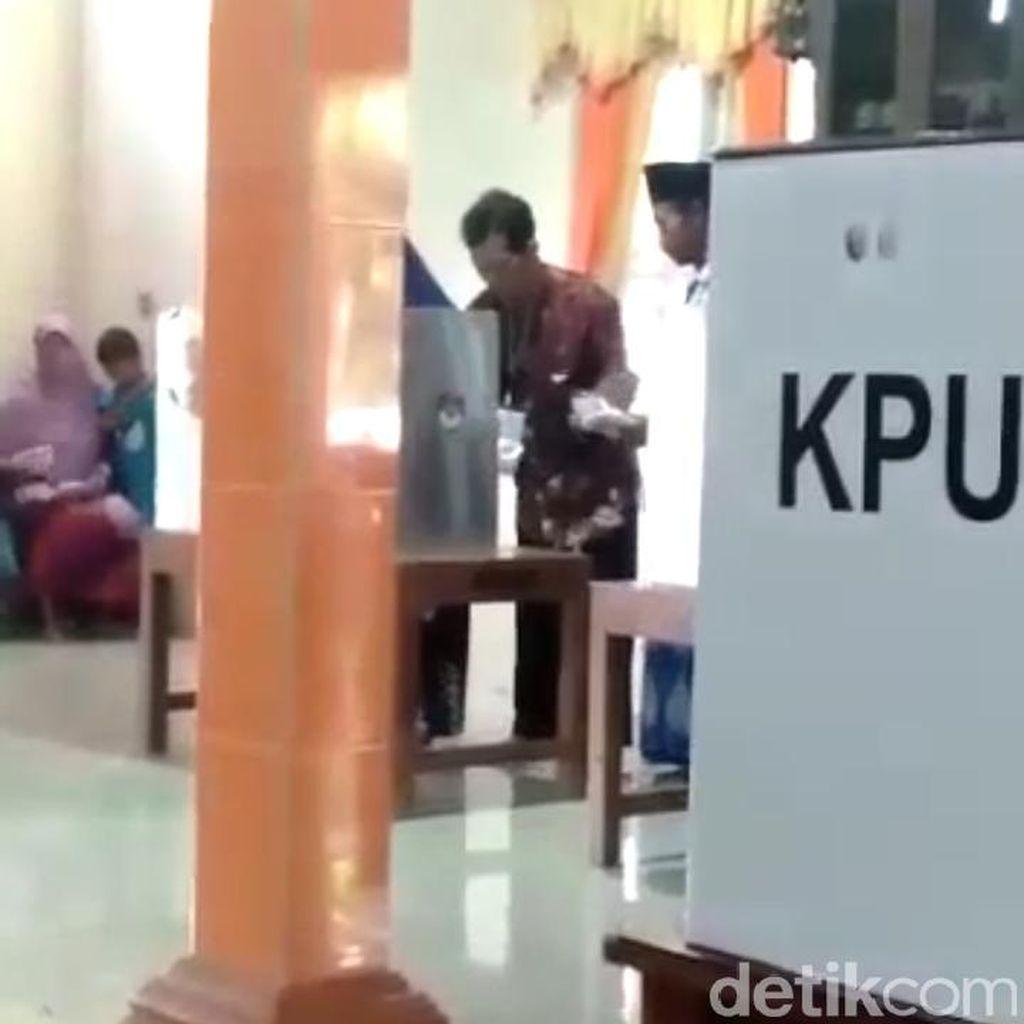 Beredar Video Petugas KPPS Coblos Beberapa Surat Suara di Boyolali