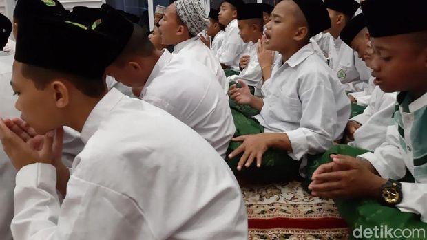 Ganjar menghadiri doa bersama tasyakuran Pemilu damai.