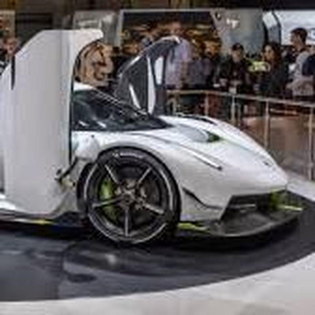 Intip Produksi Mobil Super yang Berlari 482 Km/jam Yuk!
