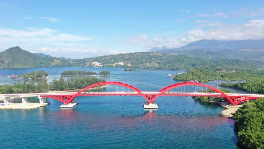 Istana Presiden di Papua Dekat Jembatan Holtekamp, PHK Pegawai Bukalapak