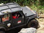 Kartini Milenial Uji Adrenalin Geber Mobil di Lereng Bromo