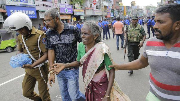 Korban bom di Sri Lanka mencapai ratusan jiwa.