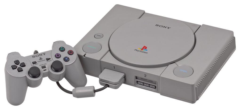 Melihat kembali PS1, maka teringat betul desainnya yang tebal, begitu juga memory card yang mana isinya sangat terbatas. Foto: Internet