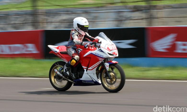 Bocah 11 tahun ikut balapan Indonesia CBR Race Day 2019. Foto: Rifkianto Nugroho