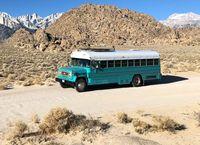Begini Jadinya Bekas Bus Tahanan Disulap Jadi Tempat Tinggal