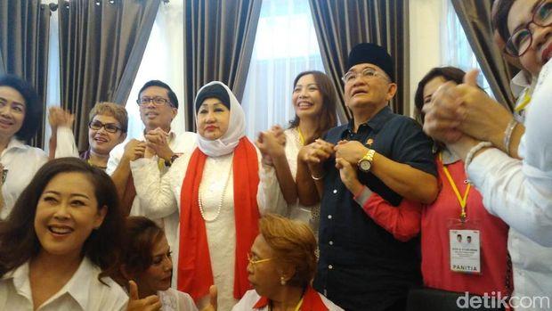 Relawan Jokowi Syukuran di Rumah Aspirasi, Ruhut Sitompul Imbau Tetap Waspada