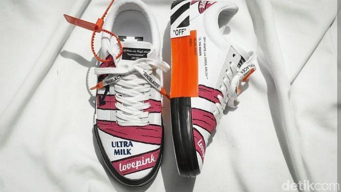 Foto: Sulap Sepatu Polos jadi Keren (Istimewa/Never Too Lavish)