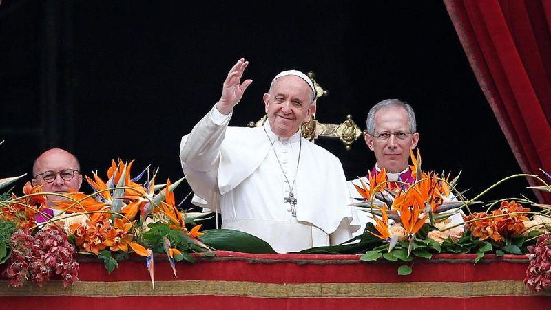 Vatikan merupakan wilayah utama peziarah penganut Katolik yang ada di Italia (REUTERS/Yara Nardi)