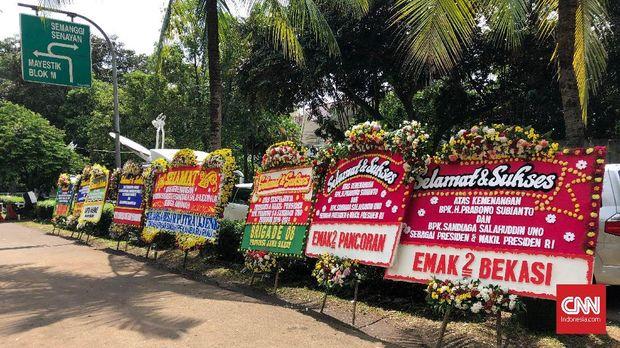 Karangan Bunga di Kertanegara Sebut Prabowo Jadi Presiden