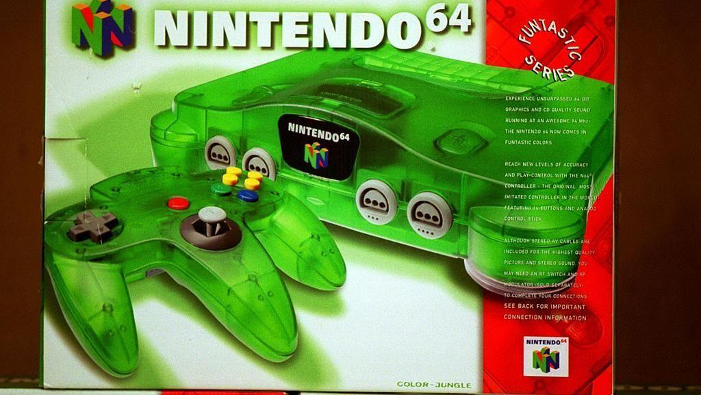 15. Nintendo 64. Sejak dirilis 23 Juni 1996 di Jepang, konsol yang sudahtak diproduksiini terjual 32,93 juta unit. Kini Nintendo Switch menguntit dengan terpaut 660 ribu unit per 31 Desember 2018. (Foto:Joe Raedle/Newsmakers)