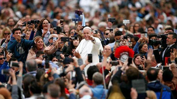 Paus Fransiskus pimpin misa Paskah di Vatikan
