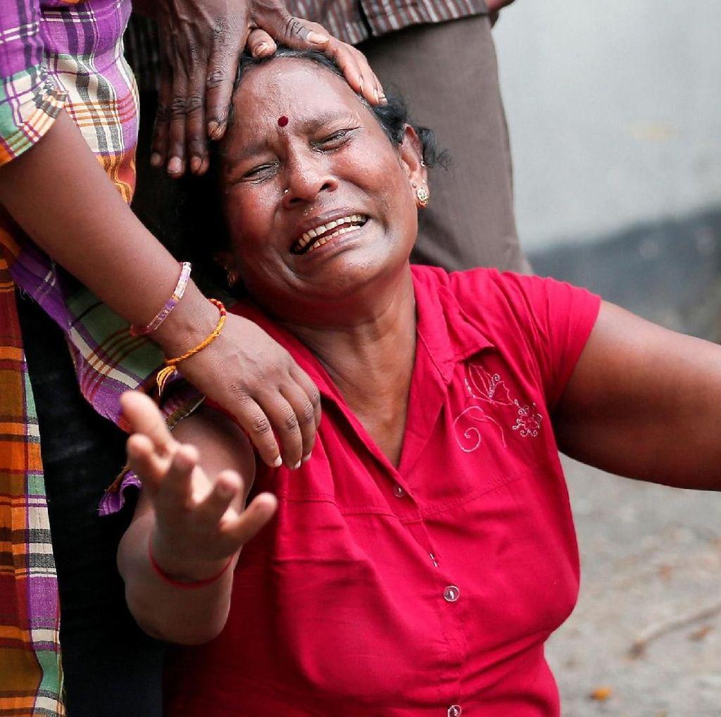 Tangis Pilu Keluarga Korban Serangan Bom di Sri Lanka