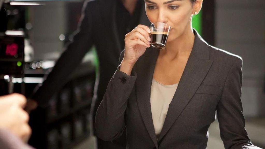 Ini Kulineran Nazanin Boniadi, Si Cantik Pemeran Zahra di Hotel Mumbai