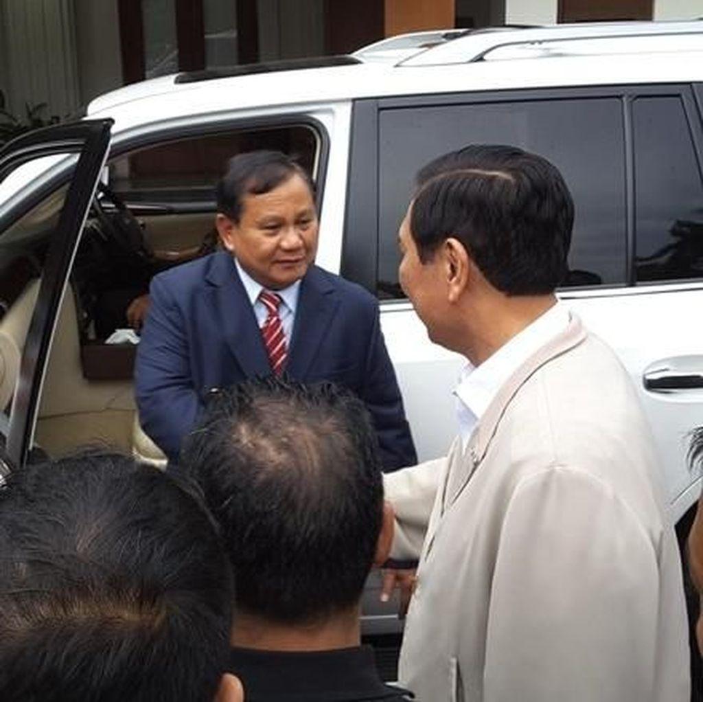 Luhut: Komunikasi dengan Prabowo Tak Ada Urusannya dengan Utus-mengutus