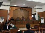 Sidang Perdana Praperadilan Romahurmuziy Ditunda