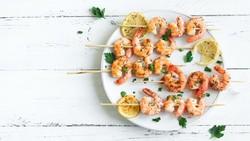 Penggemar Seafood? Cek Jenisnya yang Paling Tinggi Kolesterol