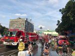 Penampakan Hiruk Pikuk Kebakaran Blok C Tanah Abang