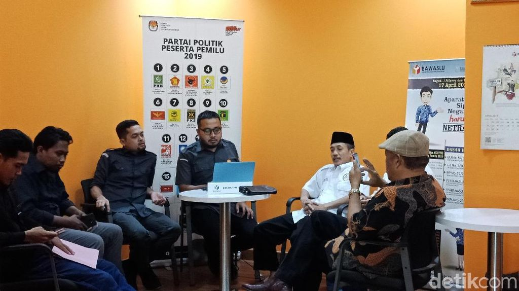 Eggi Sudjana ke Bawaslu Tanya Perkembangan Laporan Kasus Pemilu