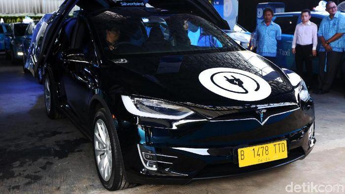 Taksi listrik/Foto: Agung Pambudhy