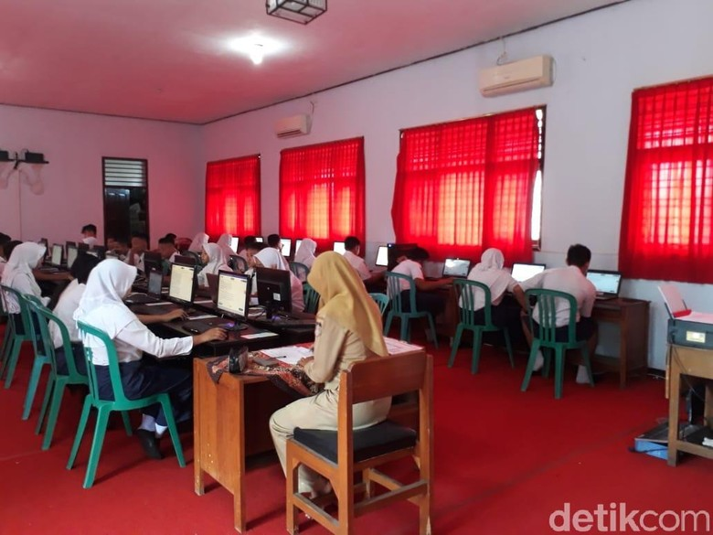 4 Ribu Pelajar SMP Kota Blitar UNBK, 5 Lembaga Menumpang di Sekolah Lain