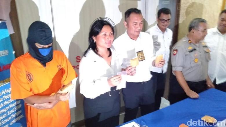 Polres Jaksel Tangkap Pengedar Sabu dengan Modus Tempel di Tiang Listrik