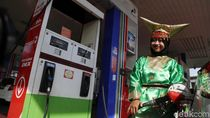 Petugas SPBU di Kelapa Gading Pakai Baju Adat Rayakan Hari Kartini