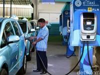 Taksi Listrik Pertama Mengaspal di Indonesia, Mau Coba?