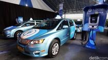 Mau Naik Taksi Listrik Pertama di RI? Begini Caranya