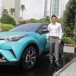 Beli Tunai, Rio Haryanto Pembeli Pertama Toyota C-HR Hybrid