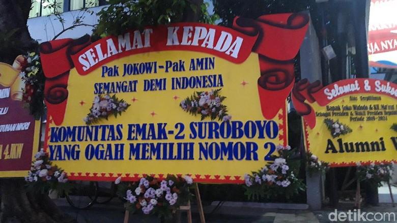 Karangan Bunga dengan Ucapan Unik Penuhi Posko Pemenangan Jokowi