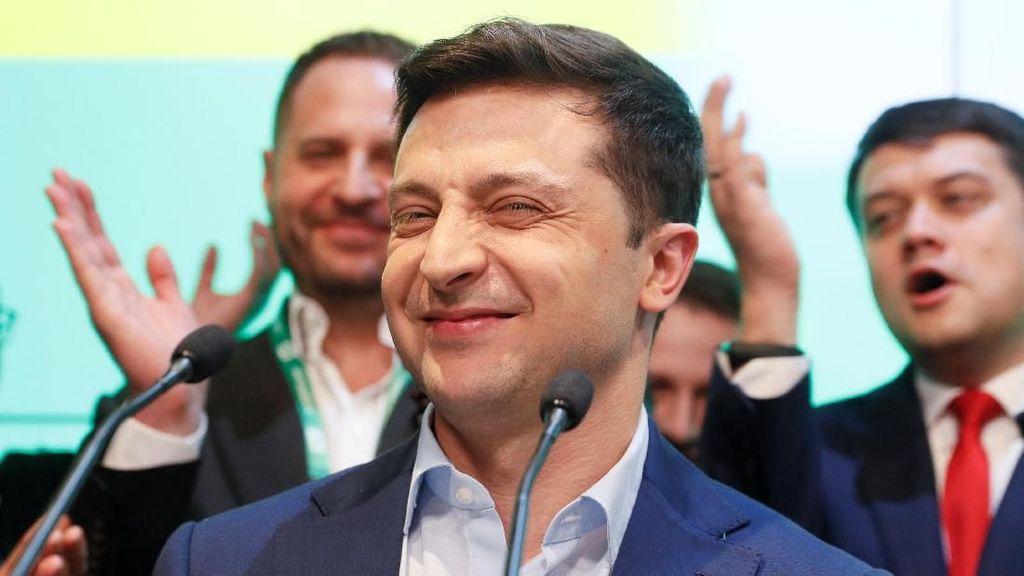 Ini Volodymyr Zelensky, Pelawak yang Kalahkan Petahana di Pilpres Ukraina