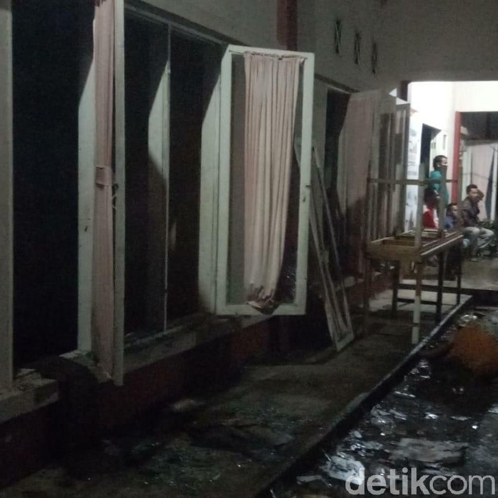 Polisi Selidiki Penyebab Kebakaran Gudang KPU di Sumbar