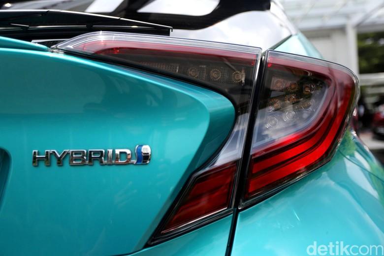 Mobil Hybrid. Foto: Agung Pambudhy