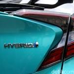 Masa Garansi Mobil Hybrid Toyota Jadi 10 Tahun
