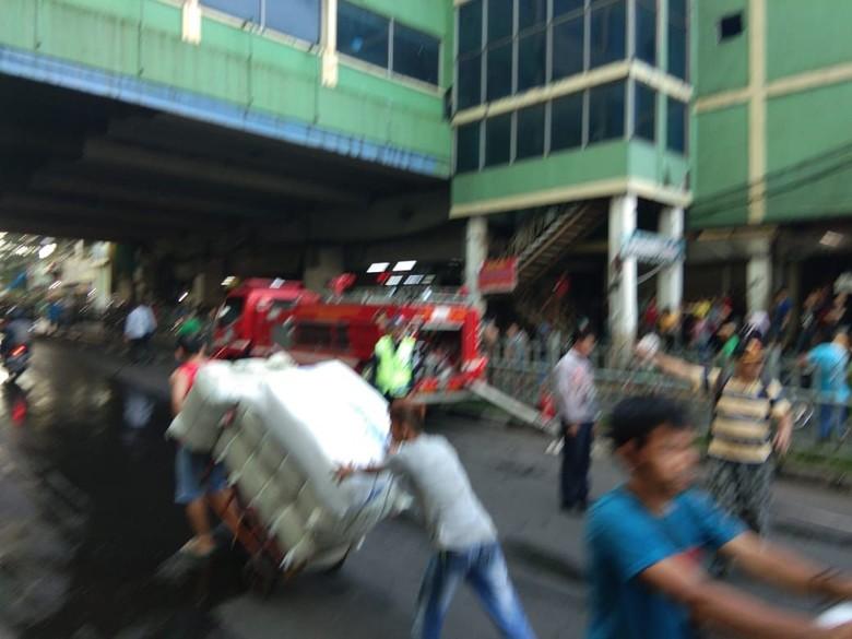 Blok C Tanah Abang Kebakaran, Lalin Ditutup Sementara