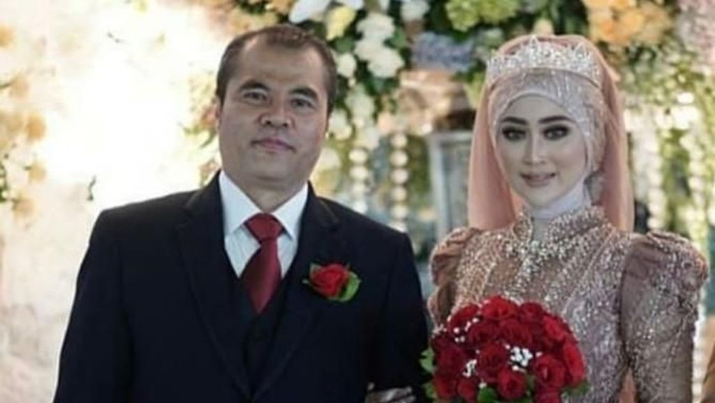 Aceng Fikri dan Istri Terpaut 16 Tahun, Ini Manfaat Punya Istri Lebih Muda