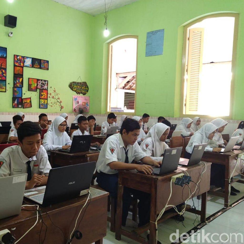 Gangguan Server, UNBK SMP di Kota Mojokerto Molor Satu Jam