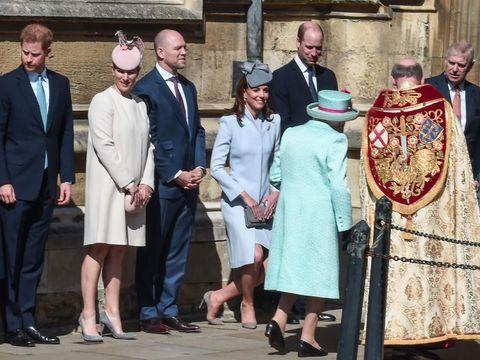 Pangeran Harry Tampak Jauhi Pangeran William Saat Acara Paskah