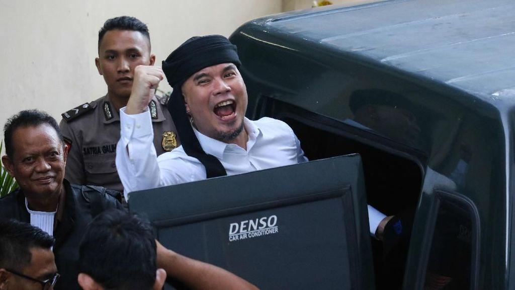 Kasus Pencemaran Nama Baik, Ahmad Dhani Dituntut 1,5 Tahun Penjara
