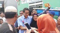 Jenguk Relawan, Sandi: Perjuangan Belum Tuntas, Semangat Tak Boleh Padam