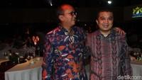Erwin Aksa berbincang dengan Ketua Umum Kadin Indonesia Rosan Perkasa Roeslani.