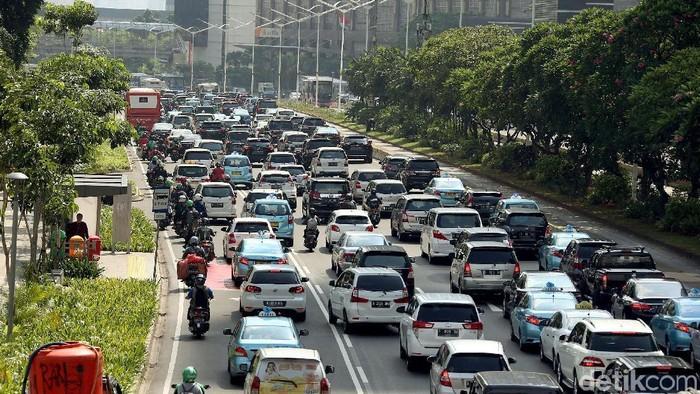 Ilustrasi lalu lintas di Jalan Sudirman (Foto: Rengga Sancaya)