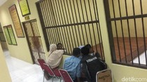 Tangis Warnai Pertemuan Dua Pemutilasi Mayat dalam Koper dengan Keluarga