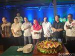 Jokowi Unggul Sementara, TKN Gelar Tasyakuran dan Potong Tumpeng