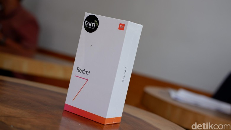 Ponsel ini adalah penerus Redmi 6. (Foto: detikINET/Adi Fida Rahman)