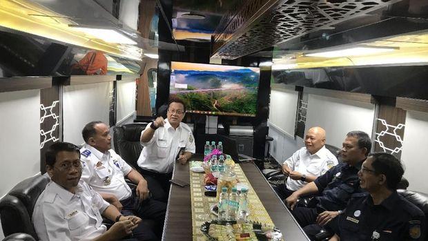 Inspeksi ini untuk memastikan pelayanan hingga lintasan kereta api aman saat mudik lebaran nanti.