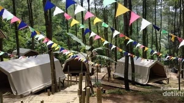 Menparekraf Sandiaga Uno pun berjanji akan segera mempercepat pembangunan destinasi yang masuk dalam kawasan Borobudur High Land itu. (Ika Nurcholifah.B/dtraveler)