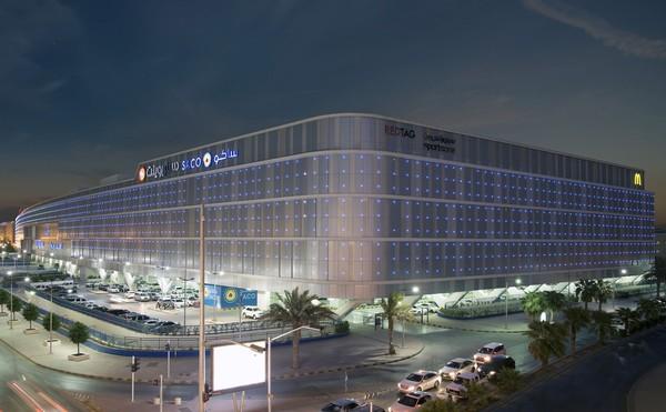 Mal itu bernama Al Qasr Mall dan berada di selatan Riyadh. Ini adalah salah satu mal terbesar di Riyadh. (Al Qasr Mall/Facebook)